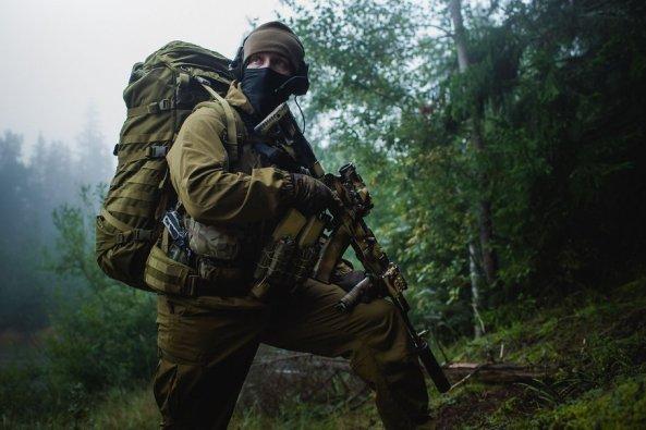 119276__soldiers-the-kalashnikov-equipment-forest_p